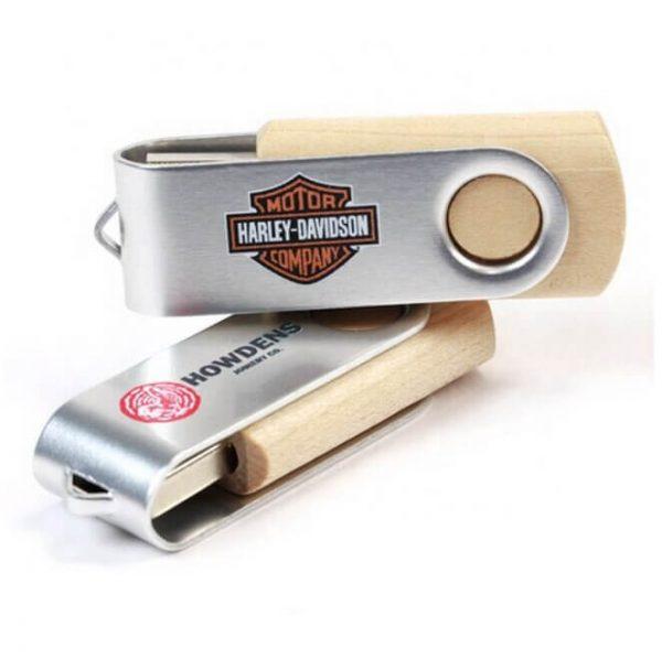 USB twister van hout met bedrijfslogo's