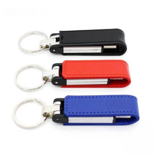 Premium USB met logo bedrukt en met kunstleren beschermband