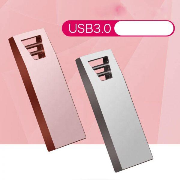 Luxe USB-sticks met logo bedrukt. De USB is van metaal